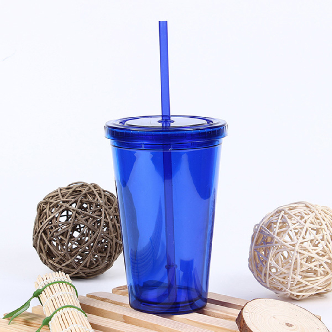 Smooth Iced Coffee Juice Plastic Drinks Cup with Straw Party Liquid Beaker 500mL