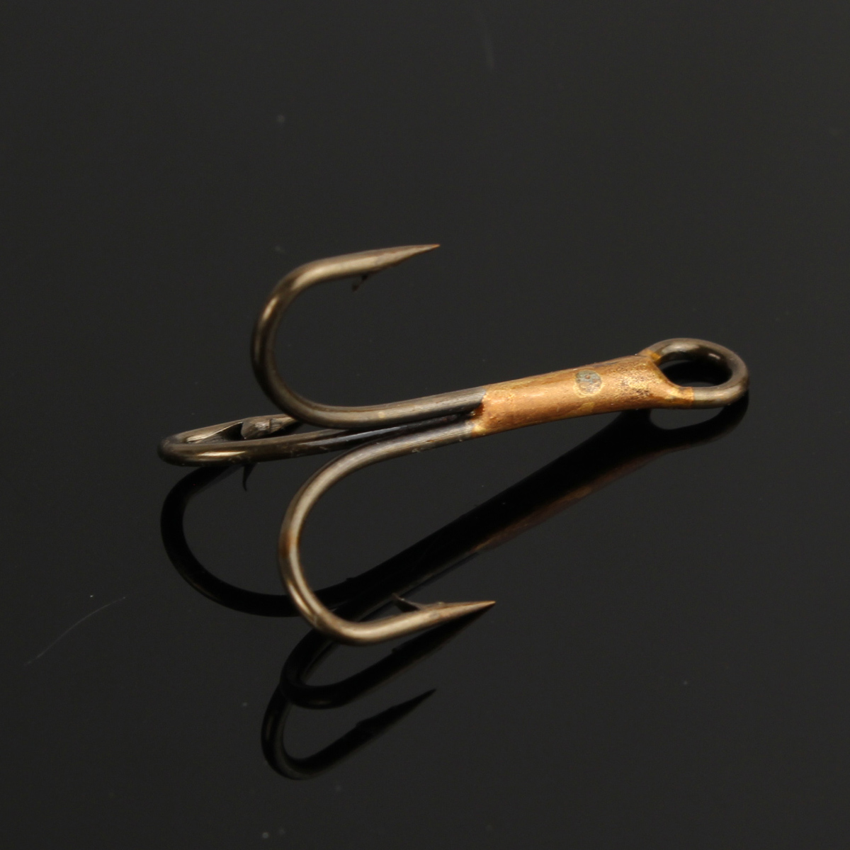 50pcs fishing hook bass sharpened treble tackle fishhook for Best hooks for bass fishing