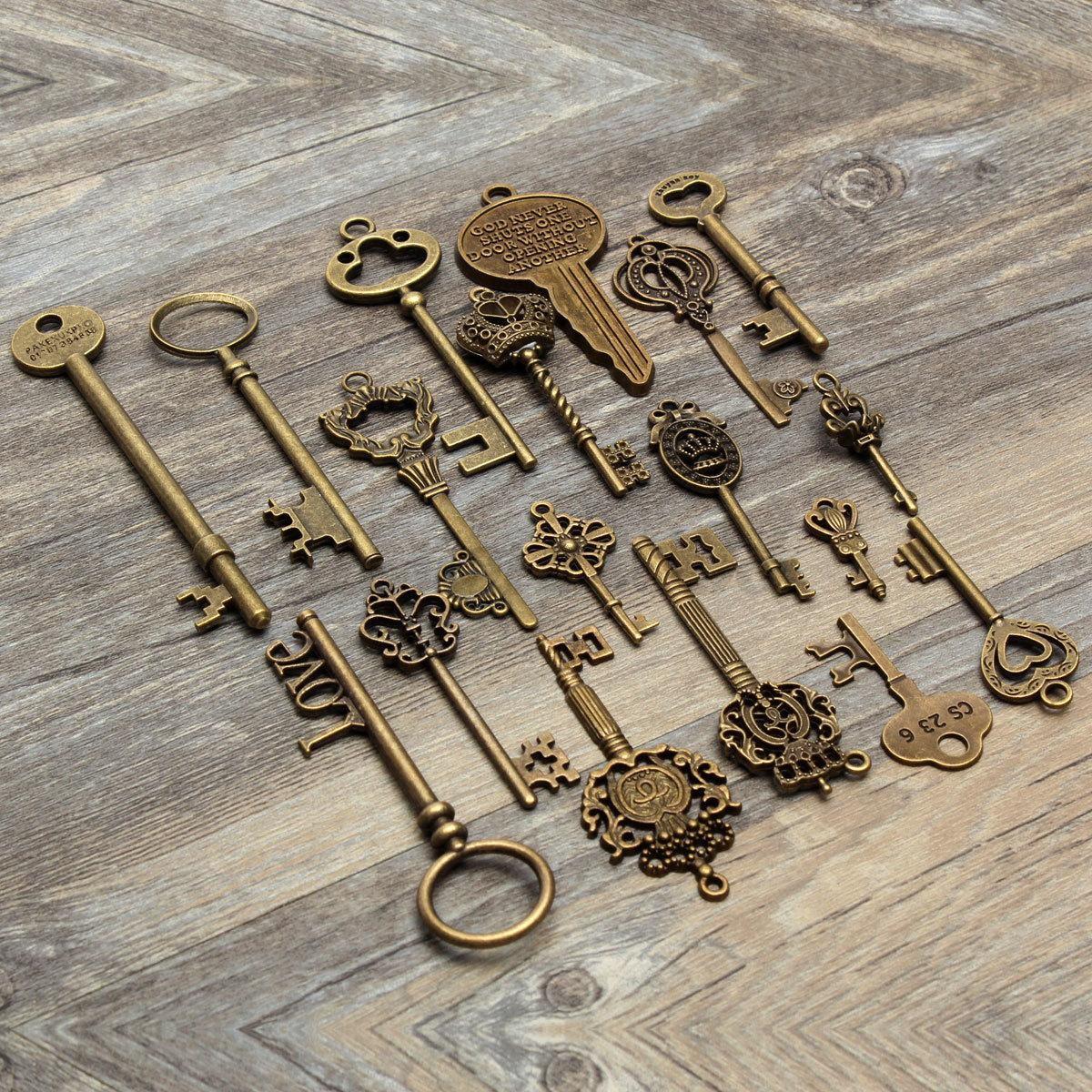 18 Assorted Antique Vintage VTG Old Look Skeleton Keys Bronze Steampunk Pendants 4