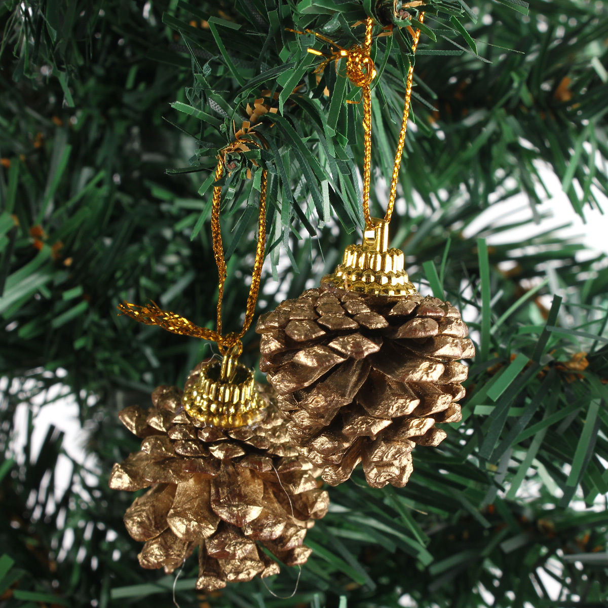 9pcs christmas gold pine cones baubles tree decorations for Pine cone tree decorations