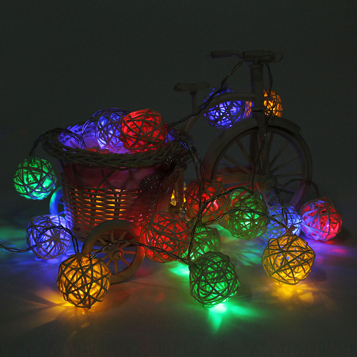 20pcs led guirlande lumineuse lampe cha ne rotin boule. Black Bedroom Furniture Sets. Home Design Ideas