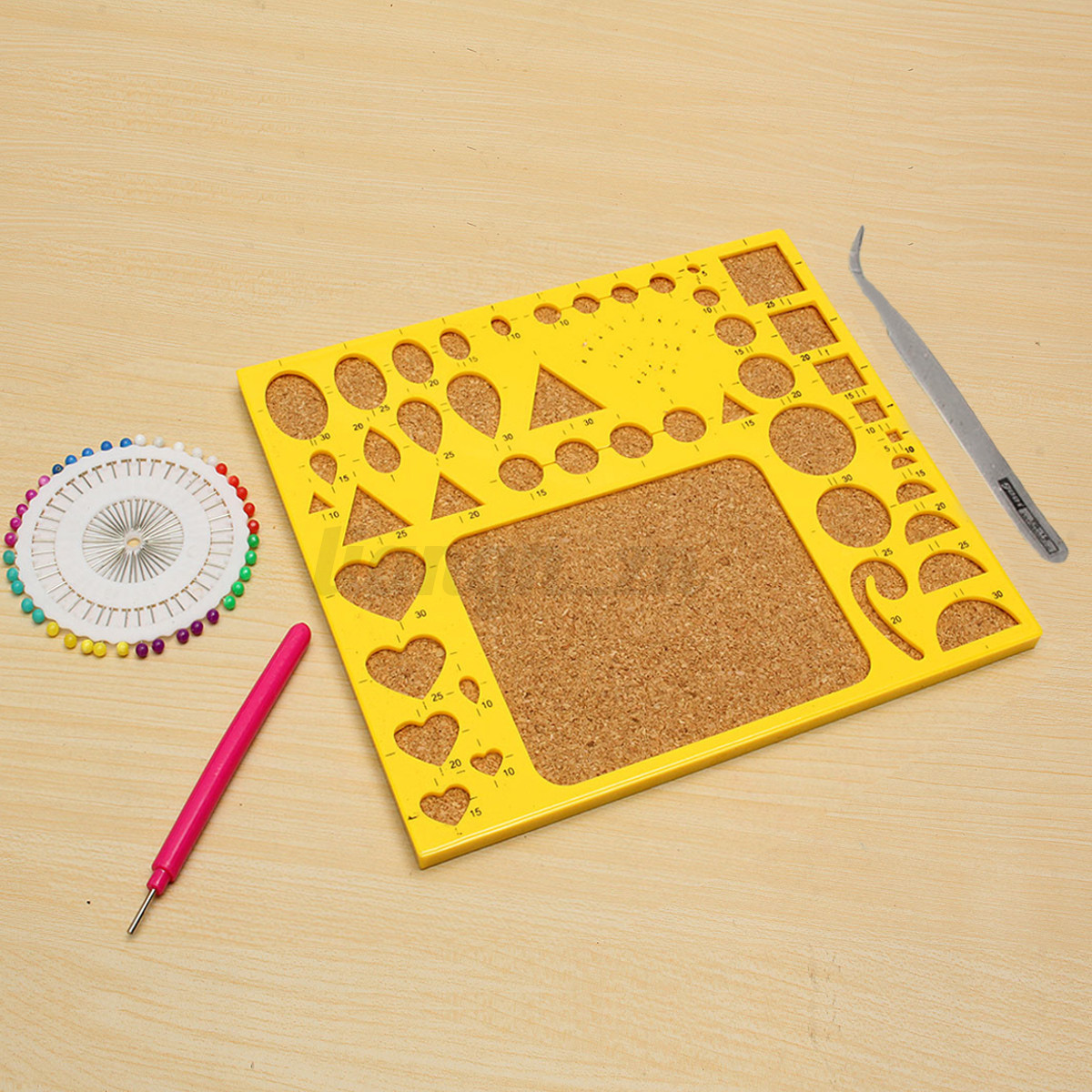 how to use quilling board with pins