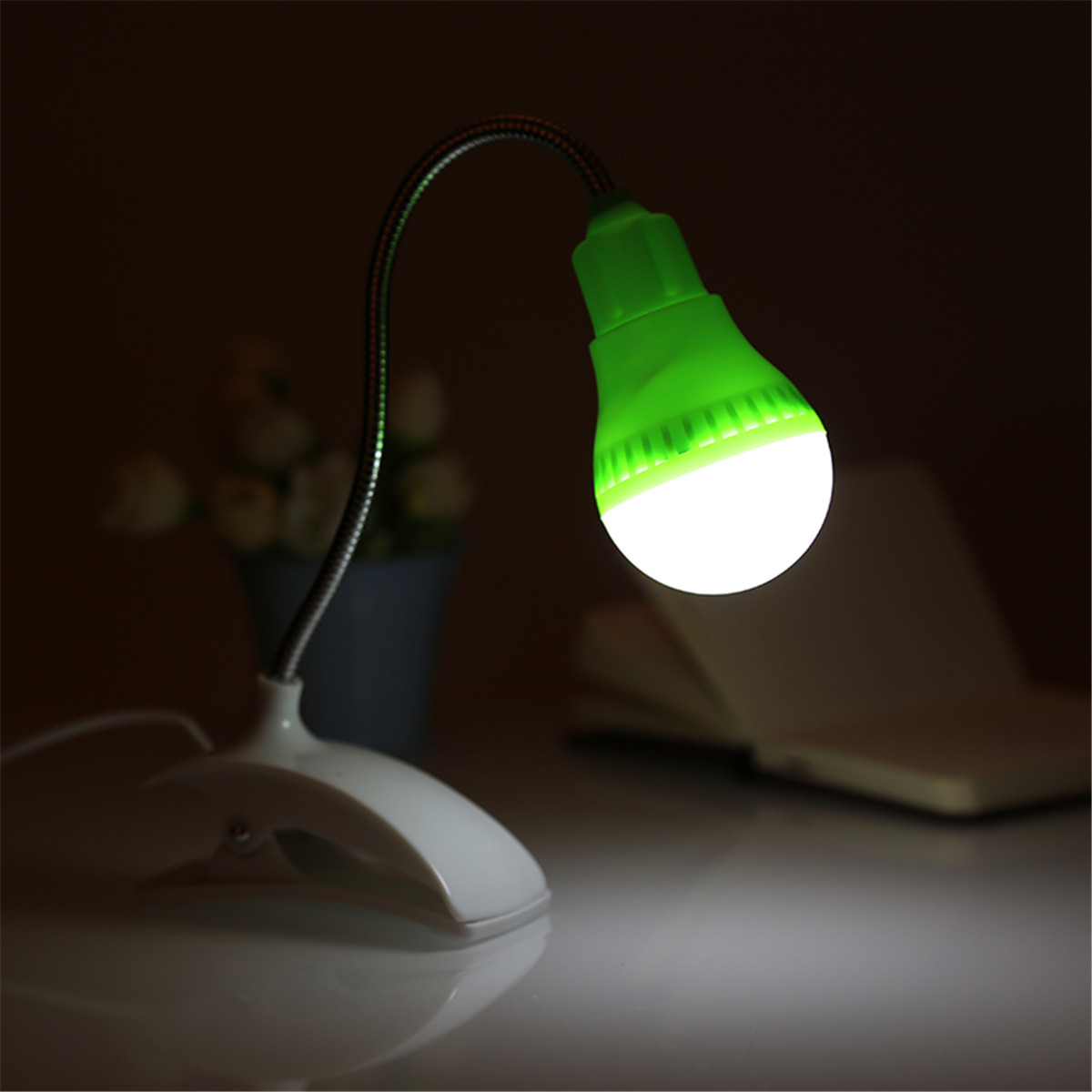 360 adjustable usb plug led clamp night light portable. Black Bedroom Furniture Sets. Home Design Ideas